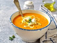Лесна крем супа от тиква, картофи и сирене